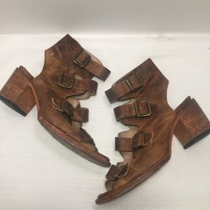 Freebird Quail Brown Leather Buckle Sandals